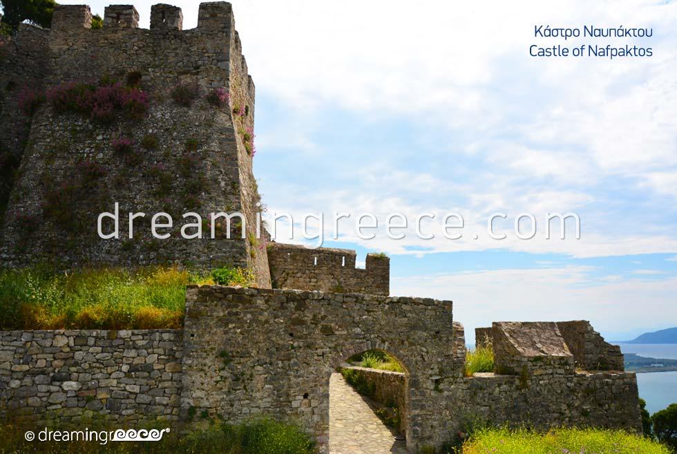Visit the Castle of Nafpaktos